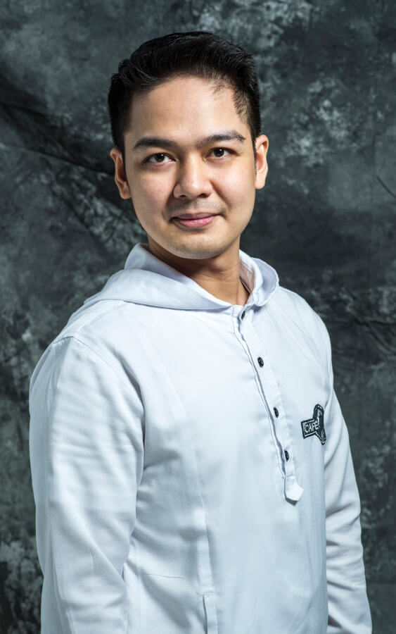 Jerus Rizardo - Front-of-House